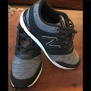Women's New Balance Tennis Shoes 9.5